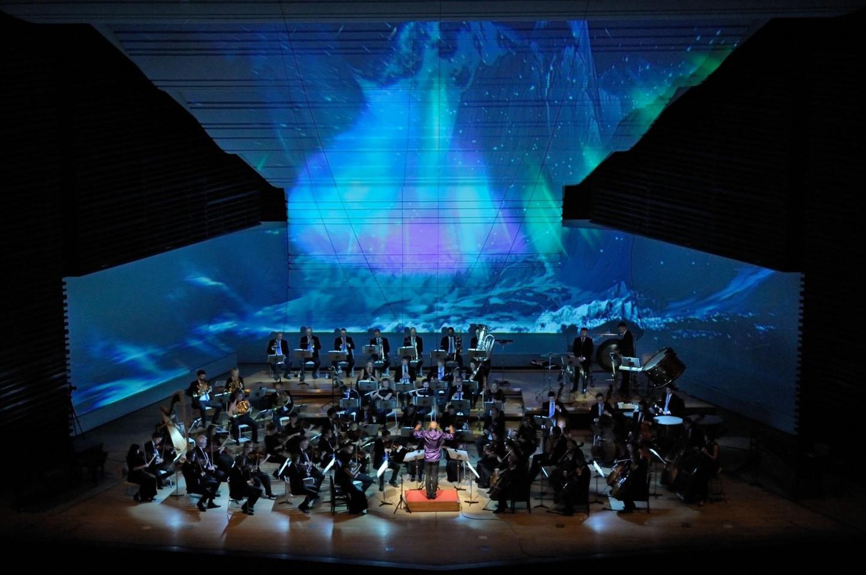 Arktisk Filharmoni med Nordlys på scenen
