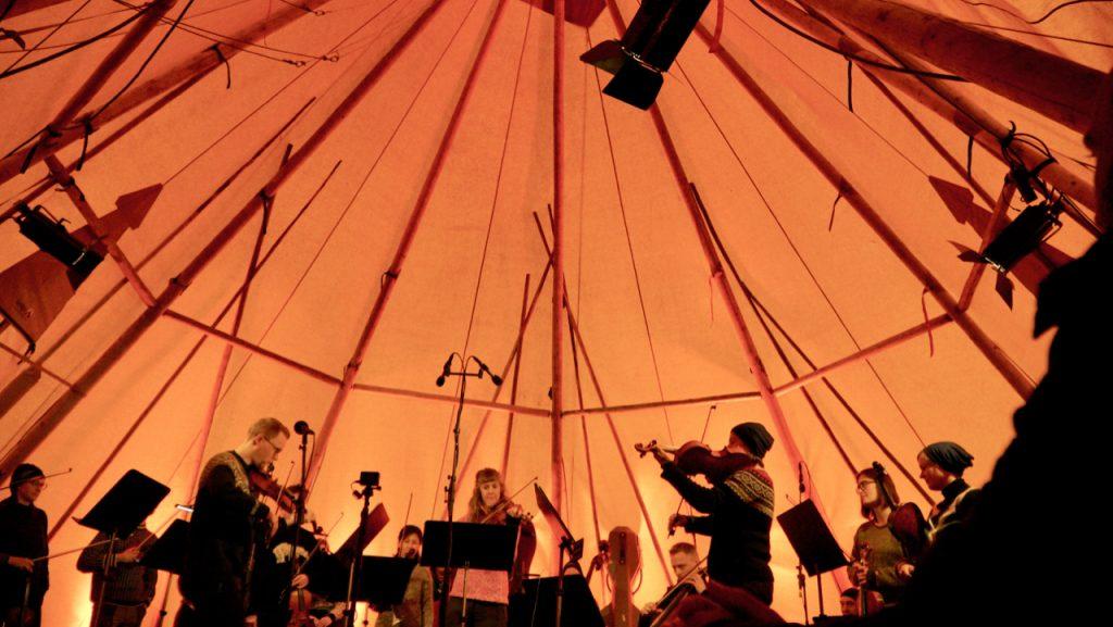 Lavvo konsert utenfor Longyearbyen