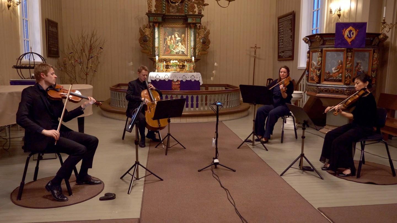 strykekvartett i Elverhøy Kirke