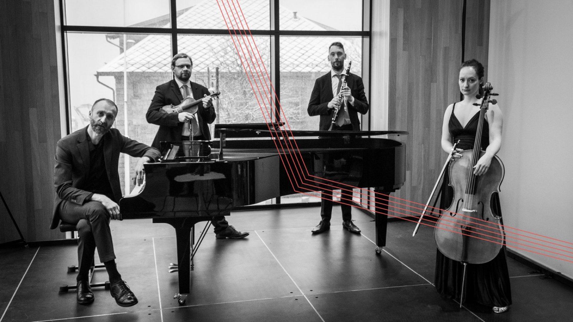 musikere rundt klaver i Stormen Konserthus