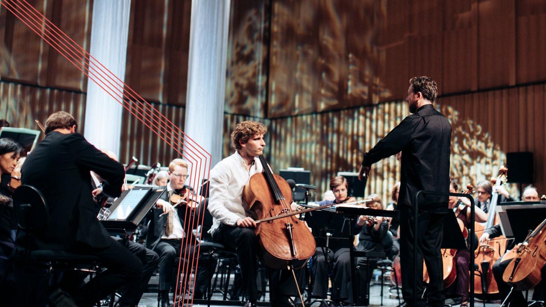 sjefdirigent Christian Kluxen og cellist Andreas brantelid som spiller med symfoniorkesteret
