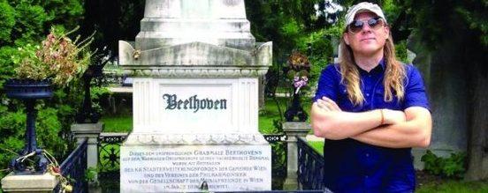 Mika Martinussen ved Beethovens gravsted
