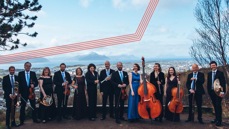musikere i natur, med Bodø by som bakgrunn